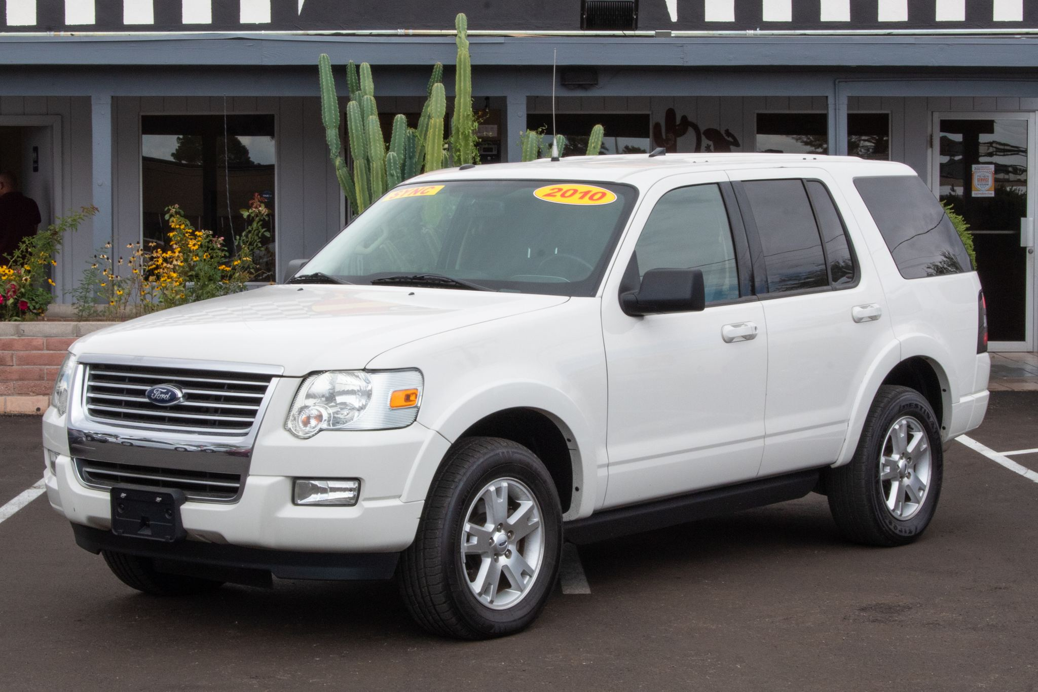 Photo of 2010 Ford Explorer 4d SUV 4WD XLT