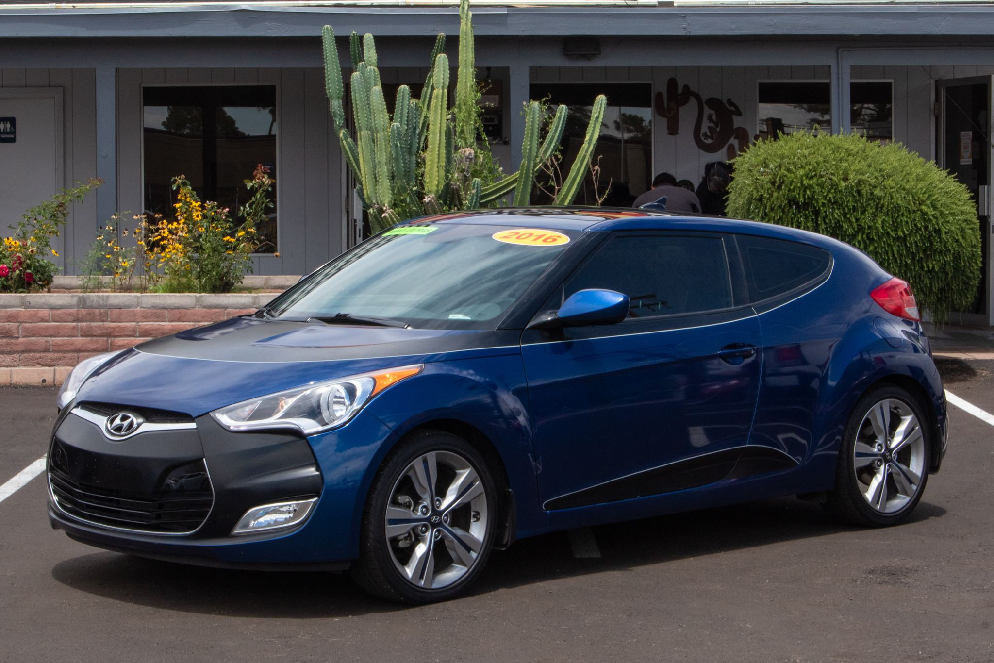 Photo of 2016 Hyundai Veloster 3d Coupe Auto