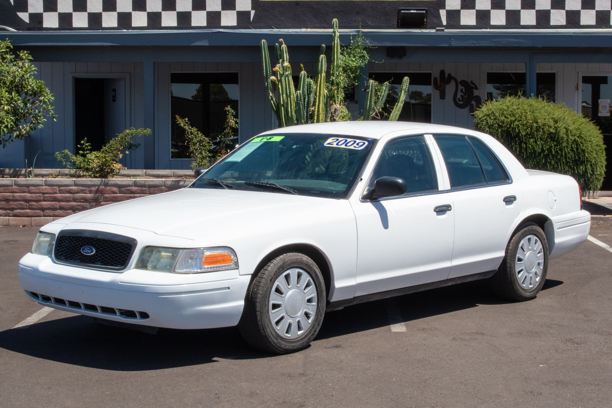 Photo of 2009 Ford Crown Victoria 4d Sedan Police