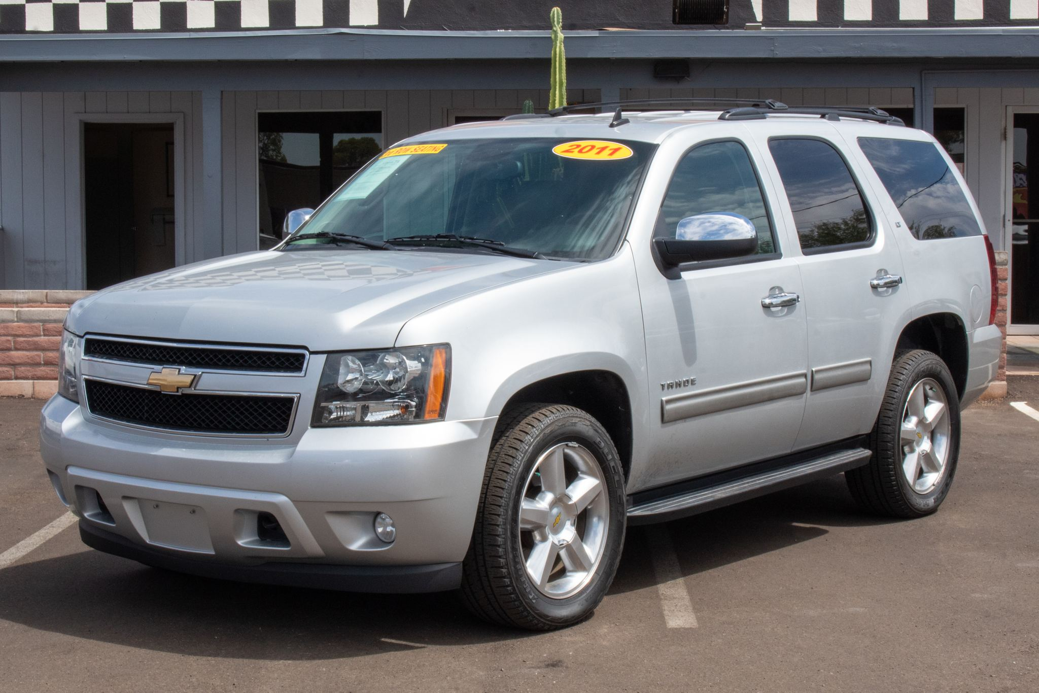 Photo of 2011 Chevrolet Tahoe 4d SUV 4WD LT