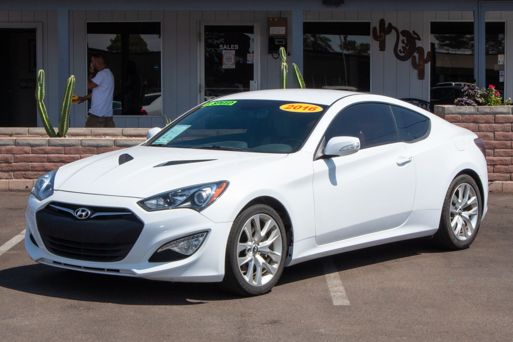 Photo of 2016 Hyundai Genesis Coupe 2d Coupe w/Black Interior 6spd