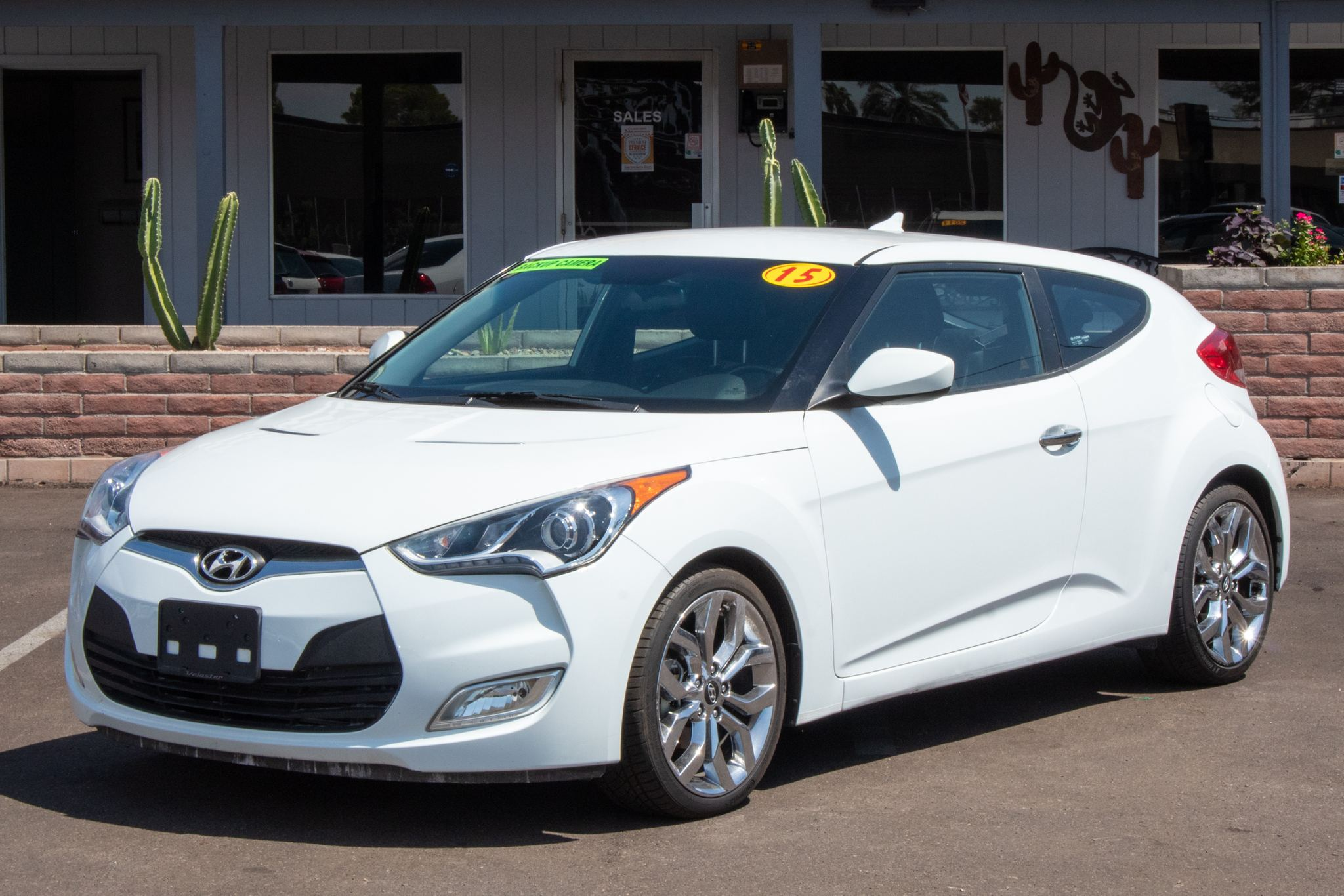 Photo of 2015 Hyundai Veloster 3d Coupe RE:FLEX w/Black Seats