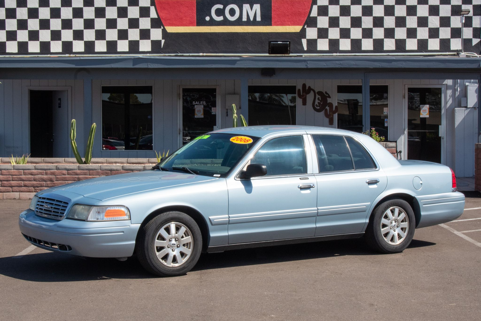 Photo of 2008 Ford Crown Victoria 4d Sedan LX