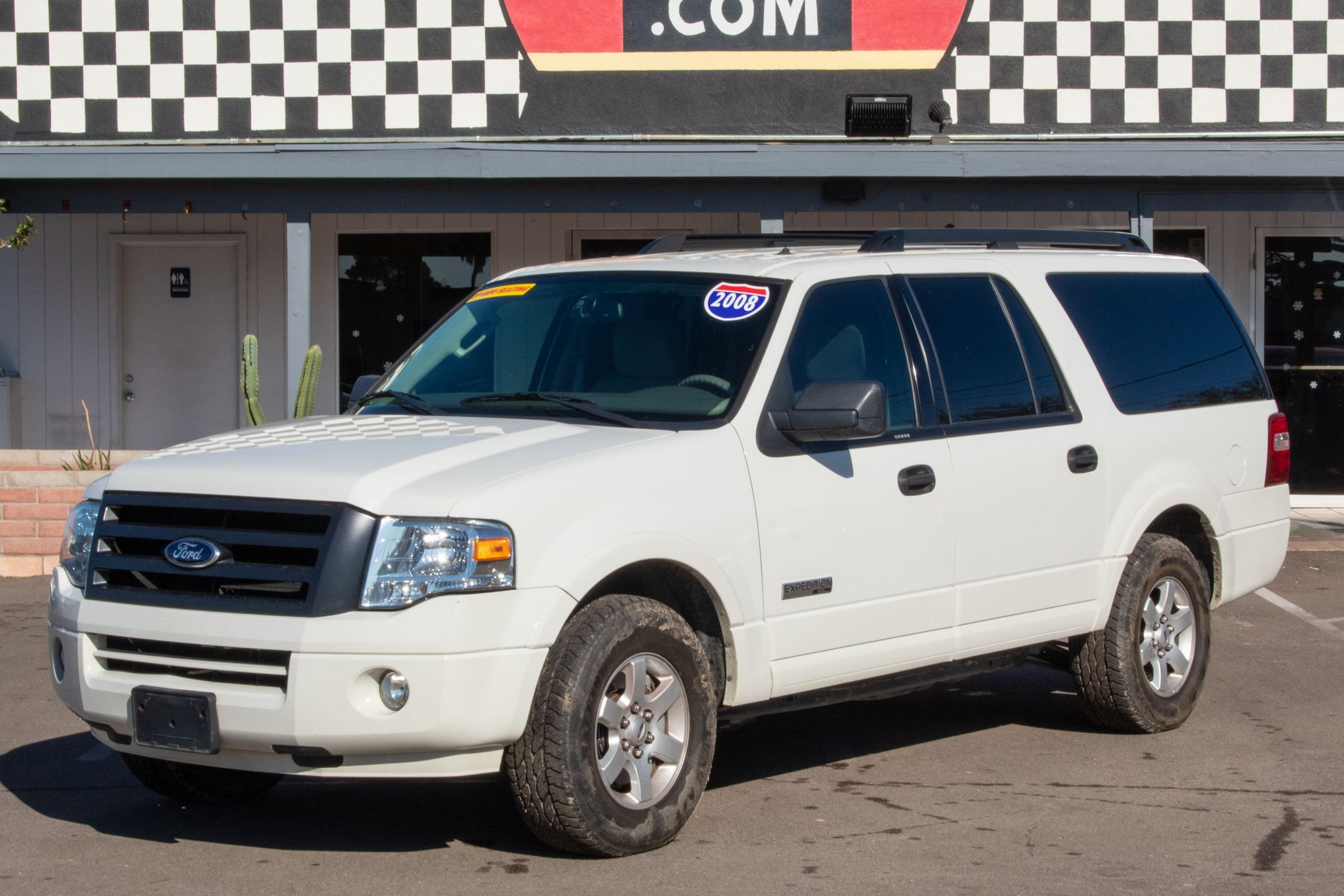 Photo of 2008 Ford Expedition EL 4d SUV 2WD XLT