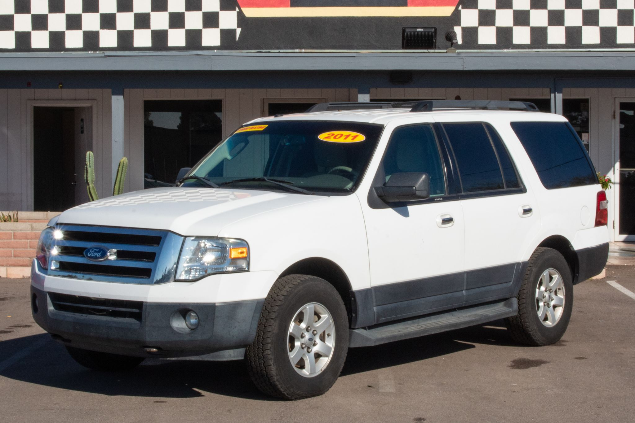 Photo of 2011 Ford Expedition 4d SUV 4WD XLT