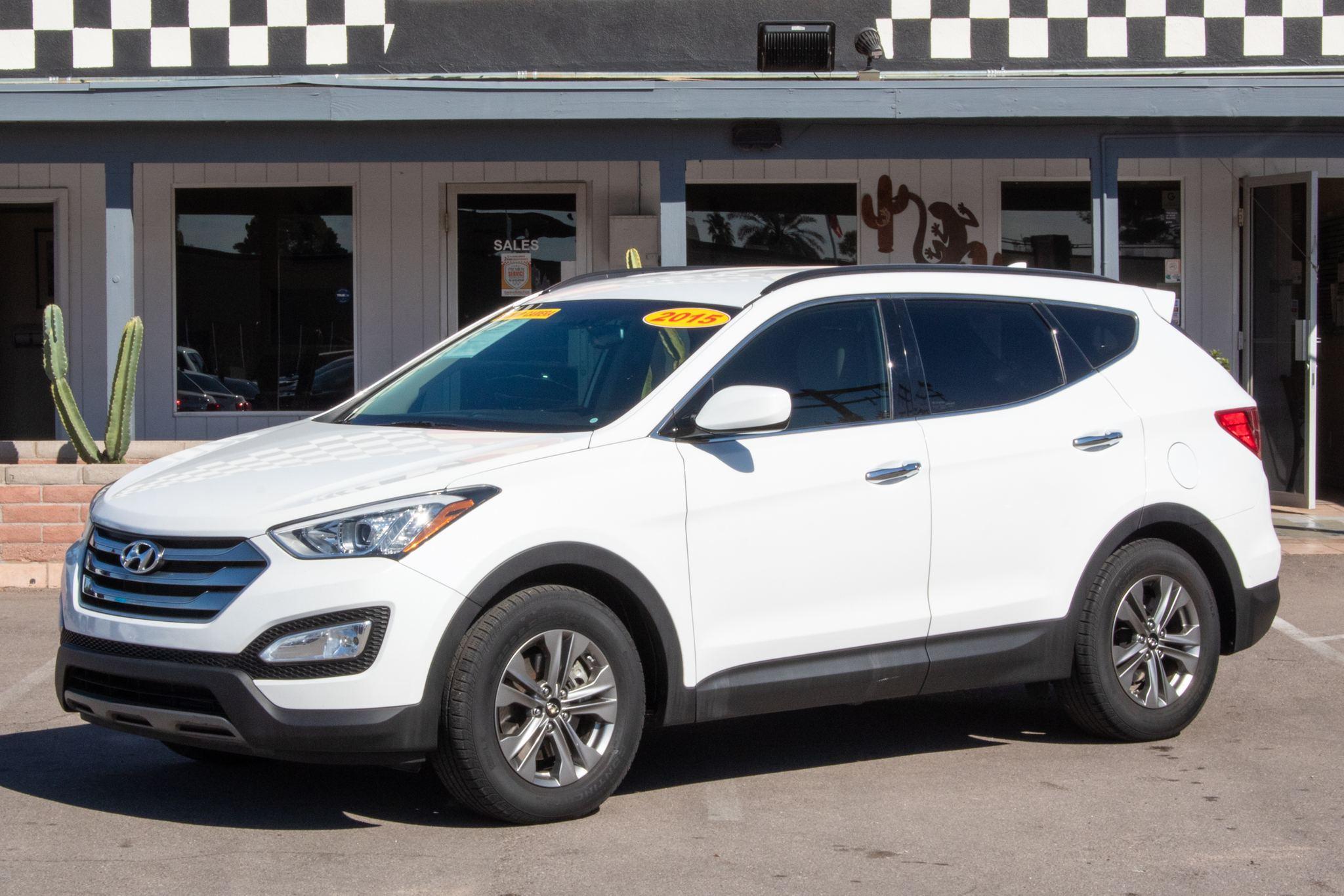 Photo of 2015 Hyundai Santa Fe Sport 4d SUV FWD 2.4L Popular