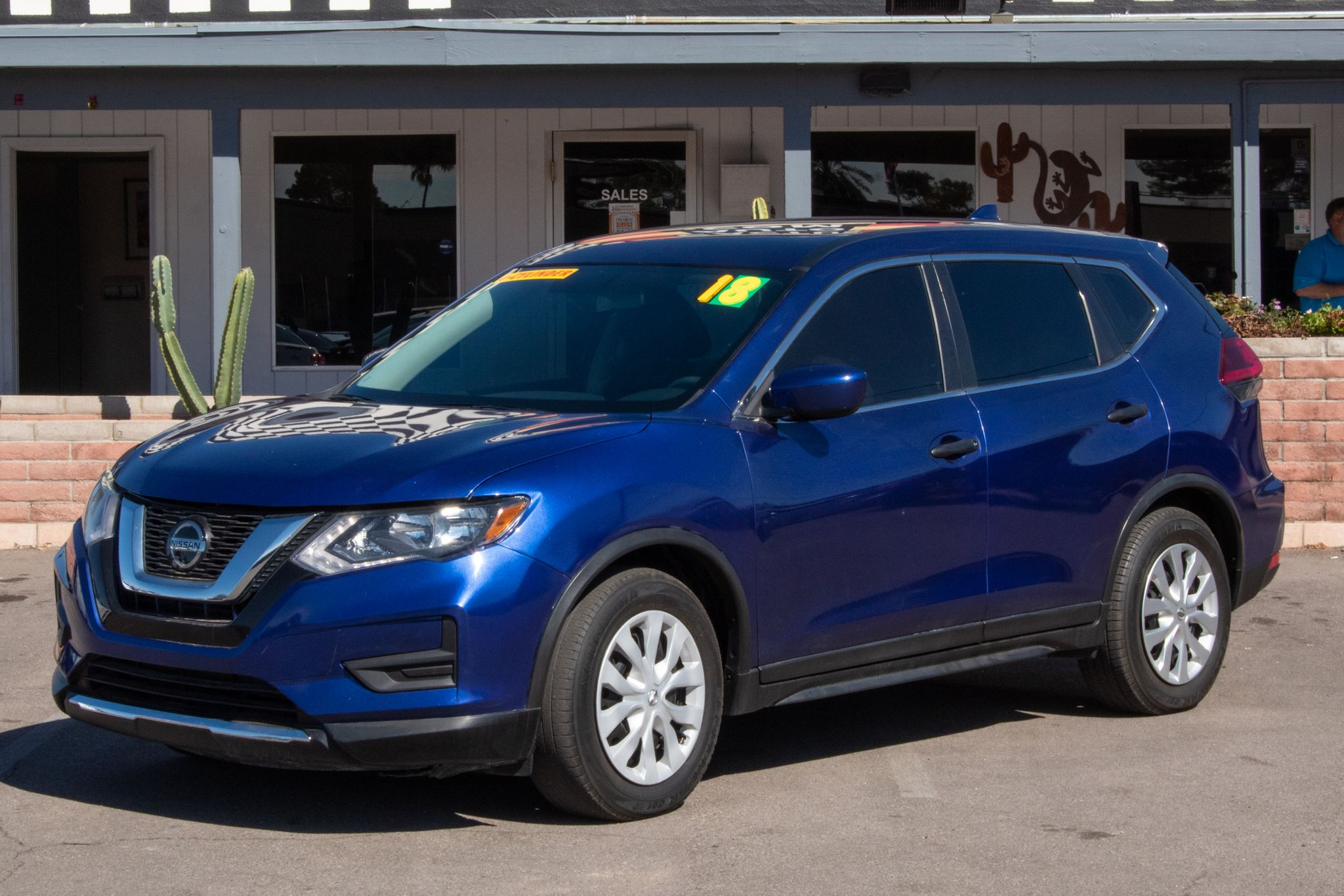 Photo of 2018 Nissan Rogue 4d SUV FWD S