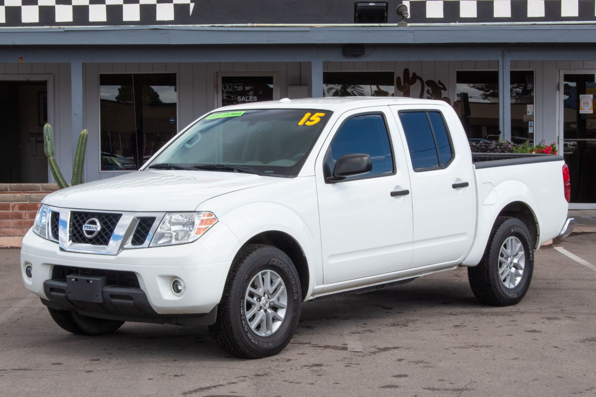 Photo of 2015 Nissan Frontier 2WD Crew Cab SV Auto