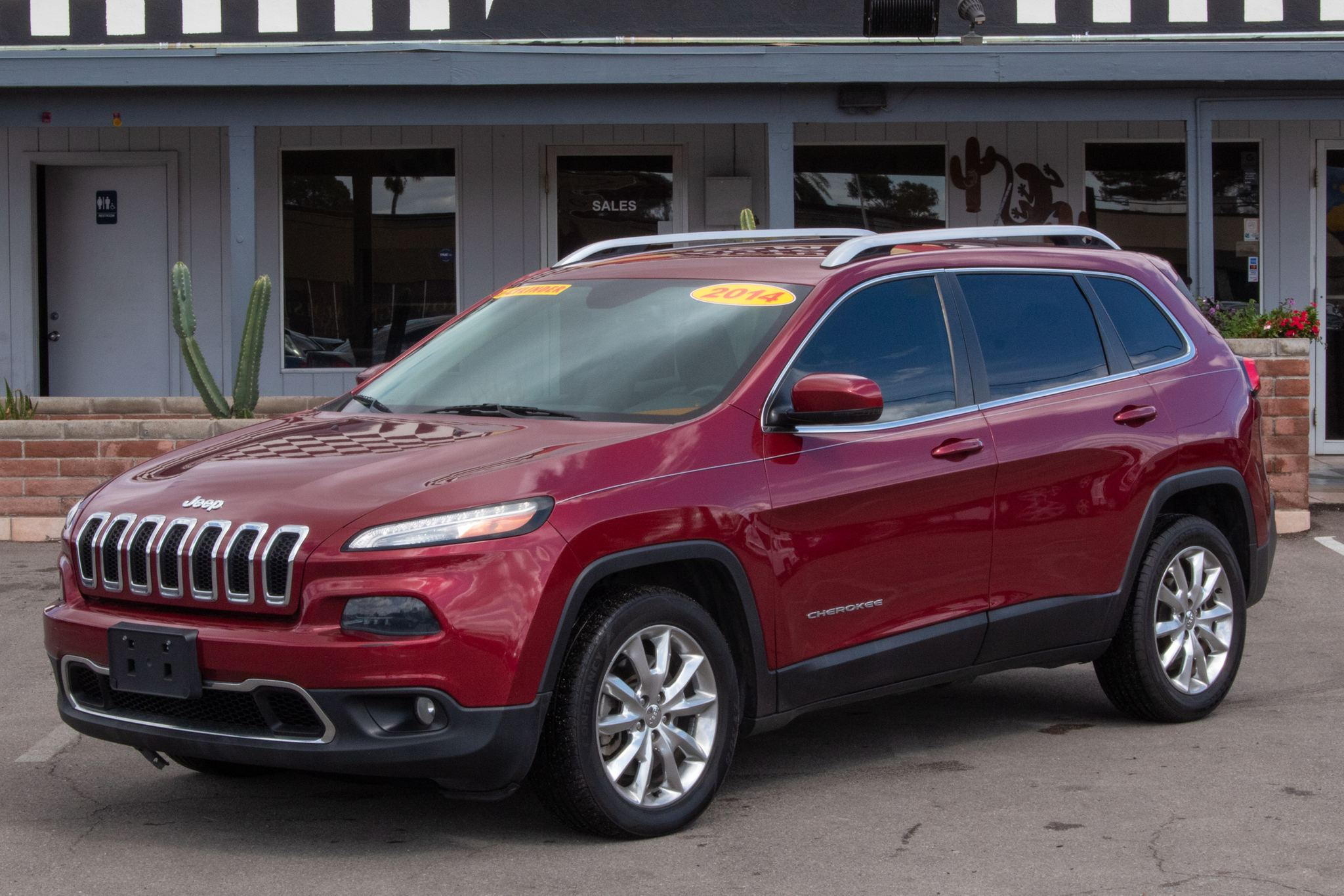 Photo of 2014 Jeep Cherokee 4d SUV FWD Limited