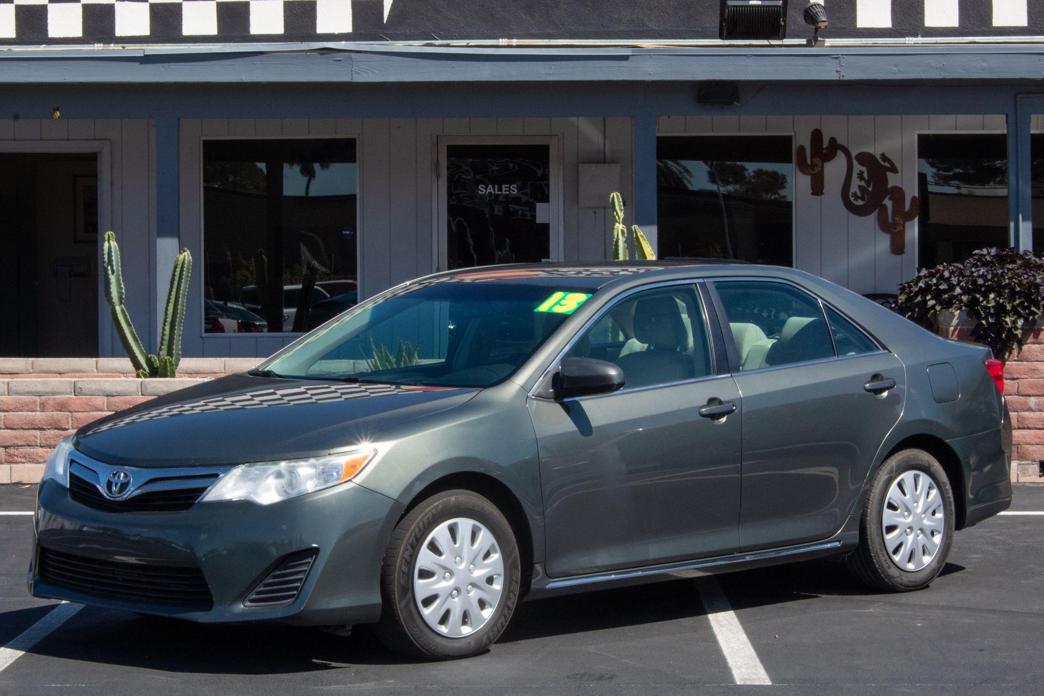 Photo of 2013 Toyota Camry 4d Sedan LE