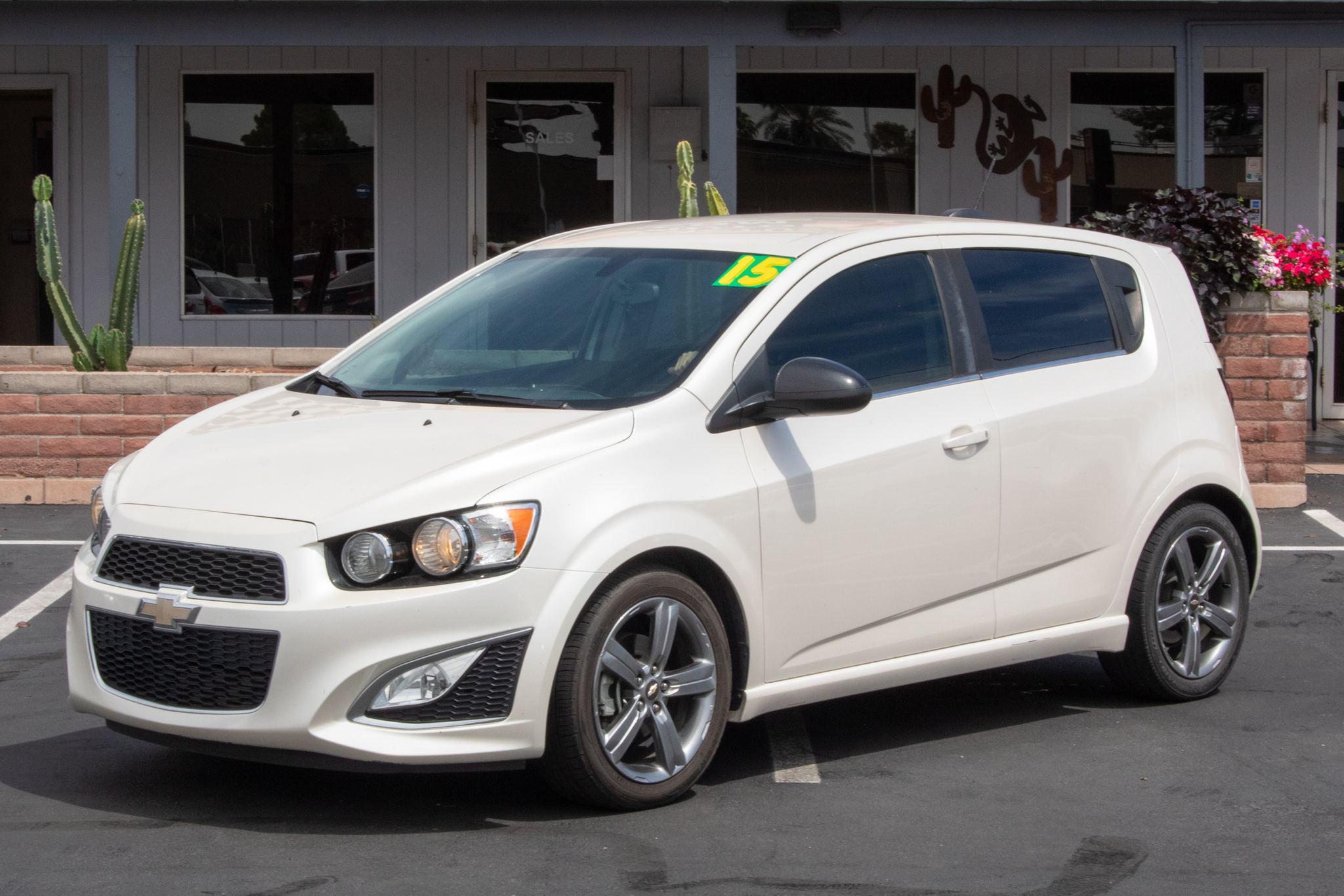 Photo of 2015 Chevrolet Sonic 4d Hatchback RS MT
