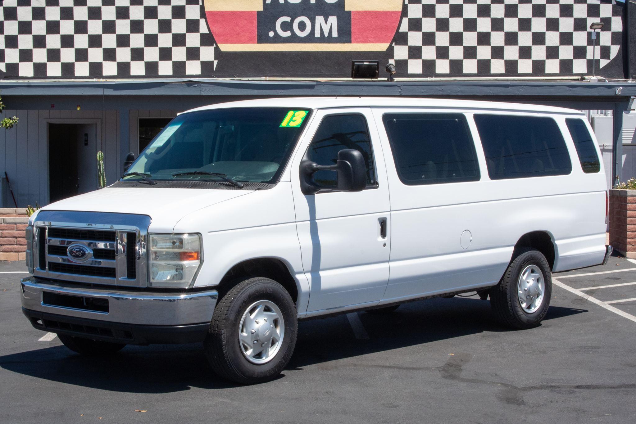 Photo of 2013 Ford Econoline Wagon E350 Ext Wagon XLT