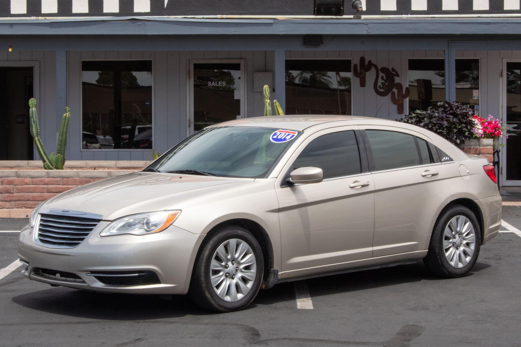 Photo of 2014 Chrysler 200 4d Sedan LX