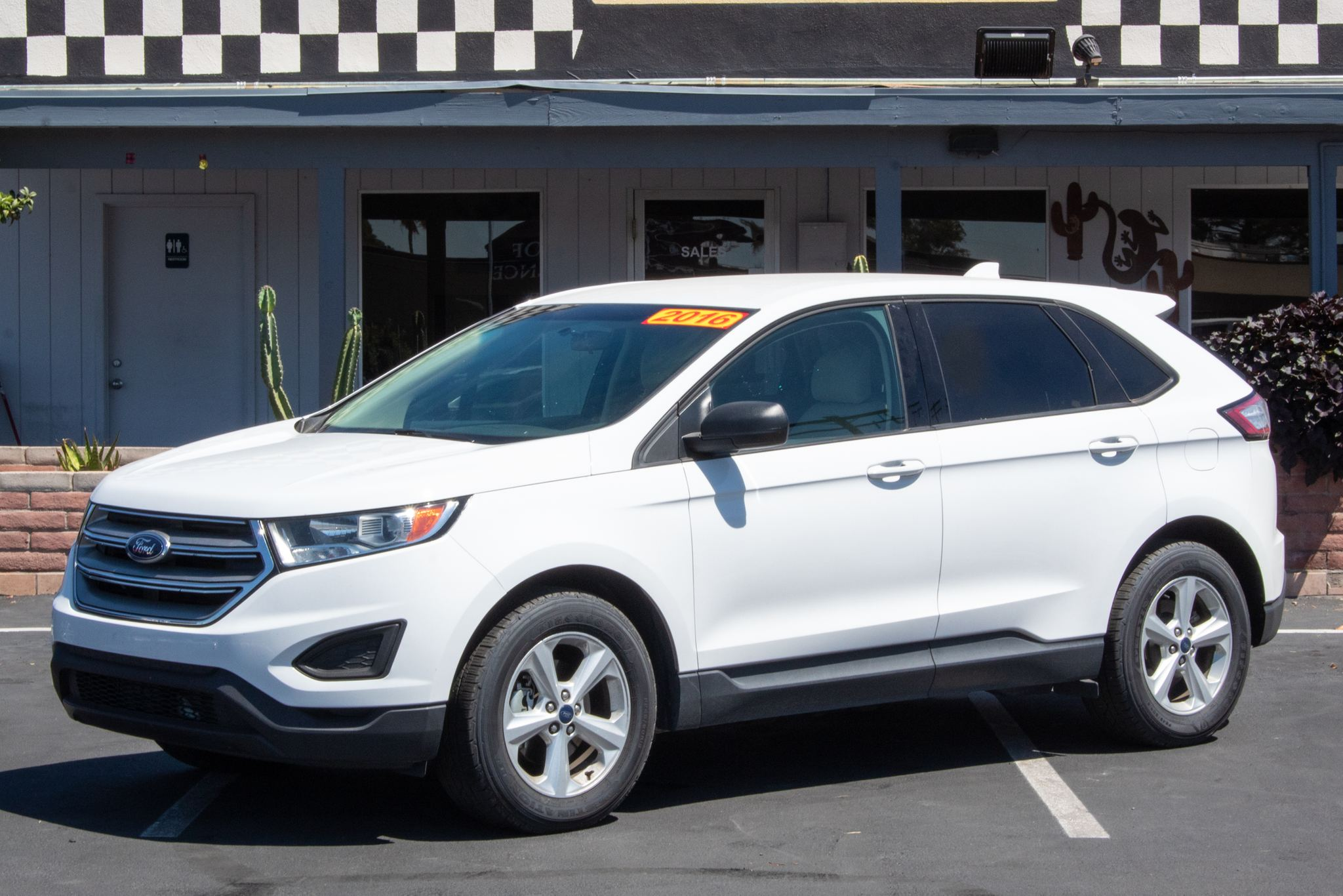 Photo of 2016 Ford Edge 4d SUV FWD SE EcoBoost