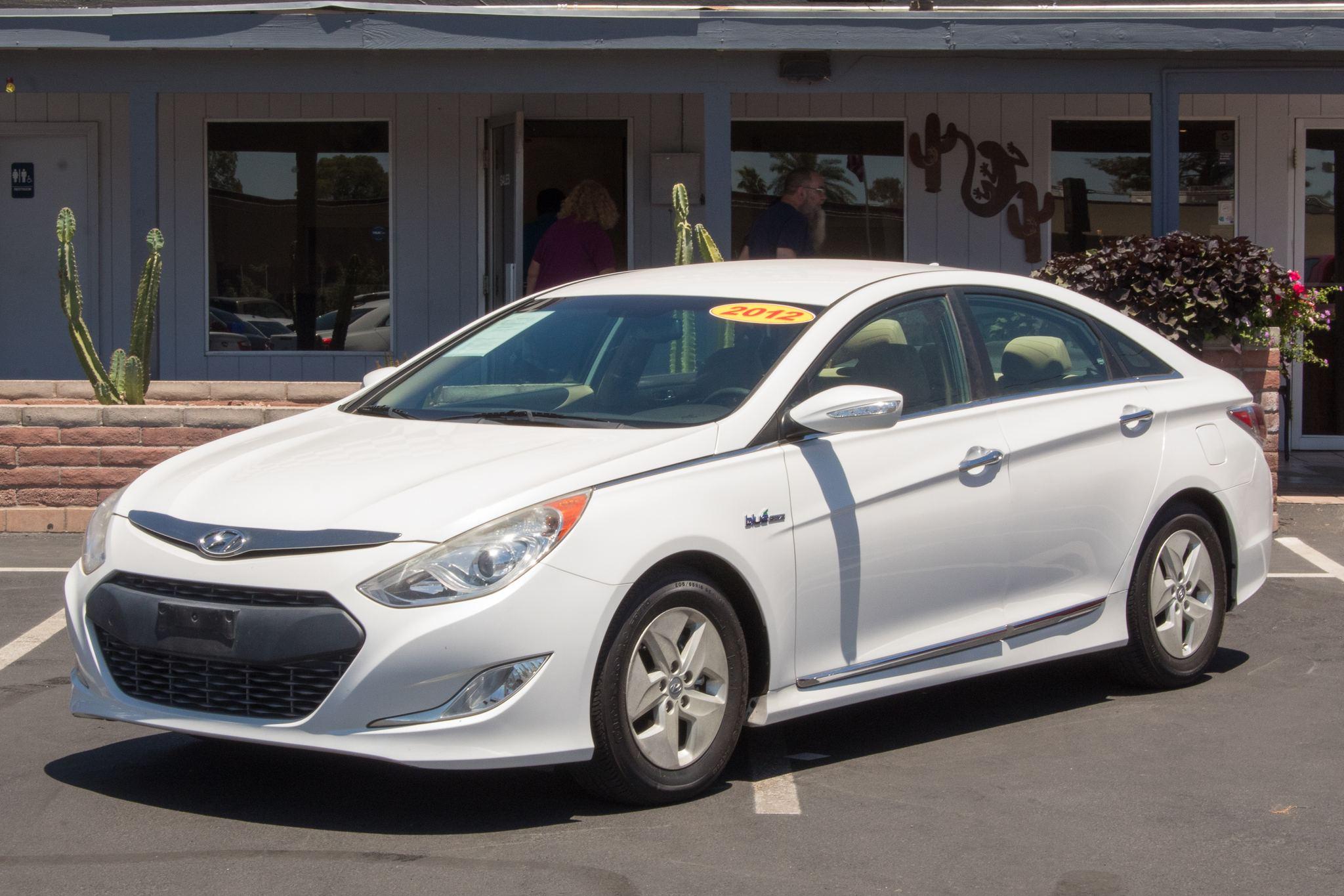 Photo of 2012 Hyundai Sonata Hybrid 4d Sedan