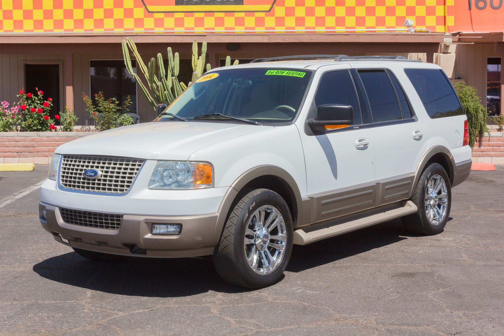Photo of 2004 Ford Expedition 2WD 4d Wagon Eddie Bauer White