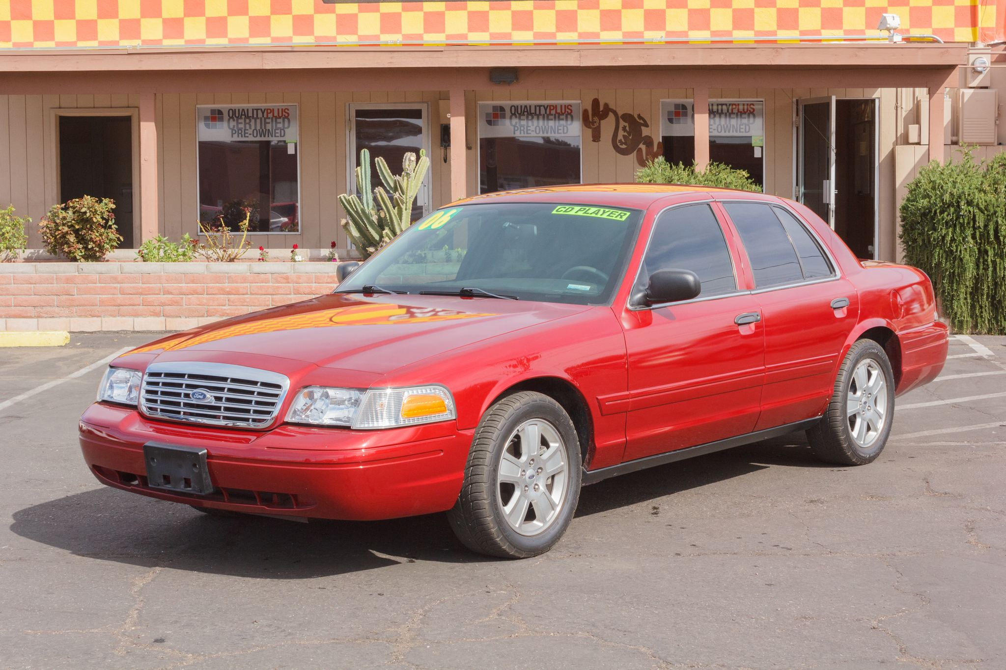 Photo of 2006 Ford Crown Victoria 4d Sedan HD LWB Police Red
